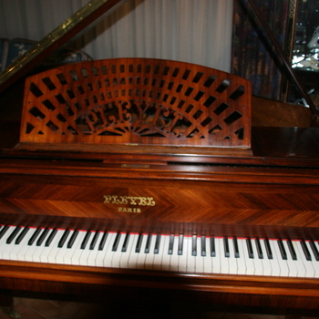 Pianos droits d'occasion